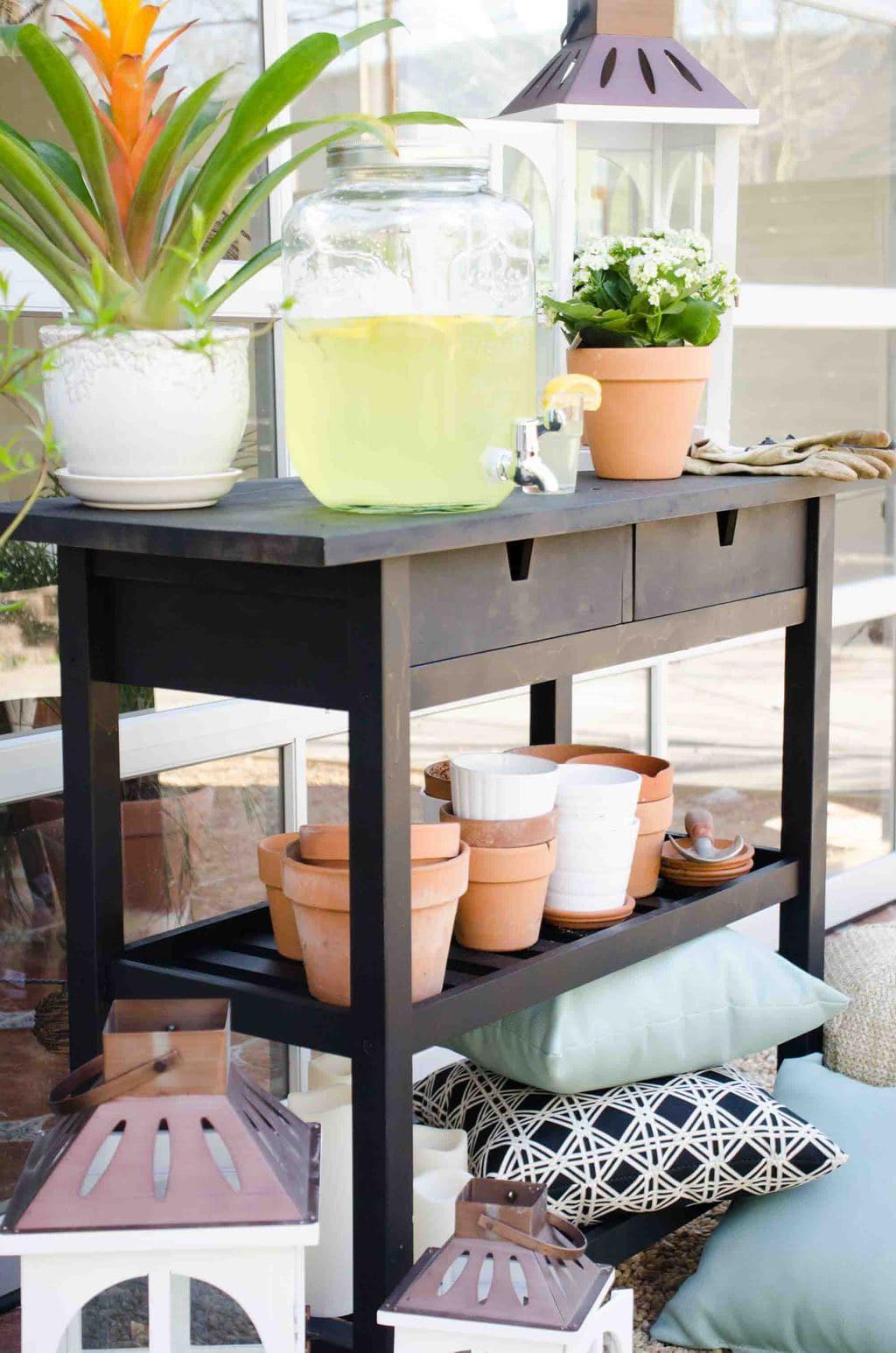 Outdoor potting cart on @thouswellblog