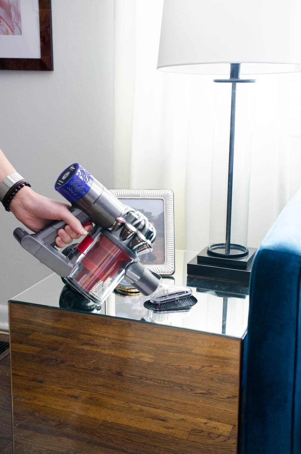 Cleaning the house with Dyson V6 cordless vacuum cleaner via @thouswellblog