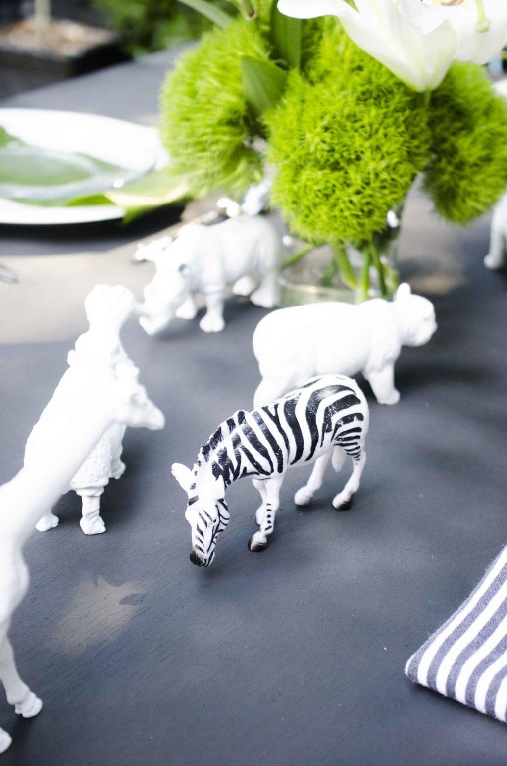 Black and white table setting with Krylon spray paint via @thouswellblog