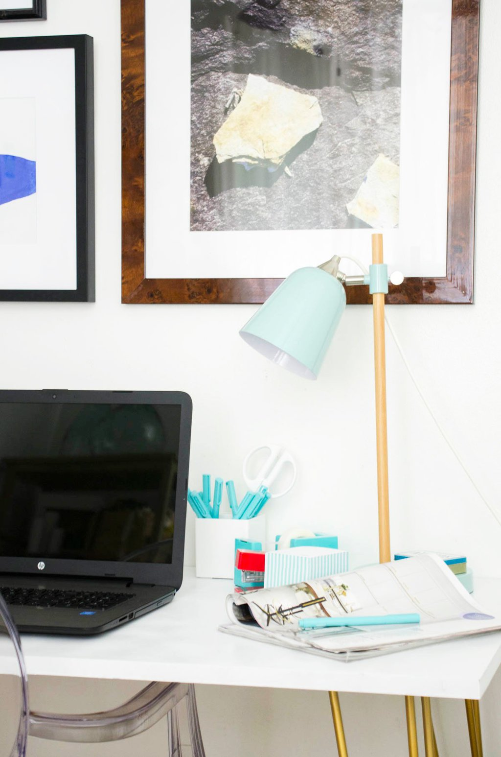 Modern desk workspace with HP's 15-inch laptop on HSN via @thouswellblog