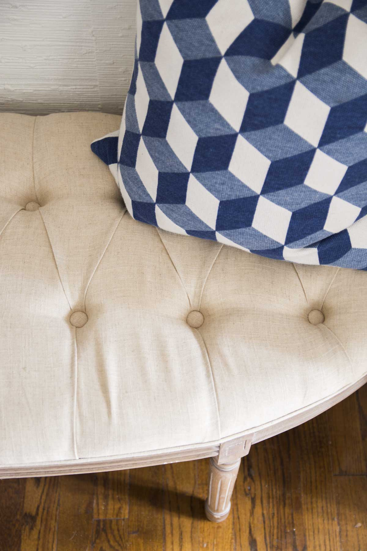 Tufted demilune bench in the entryway on Thou Swell @thouswellblog