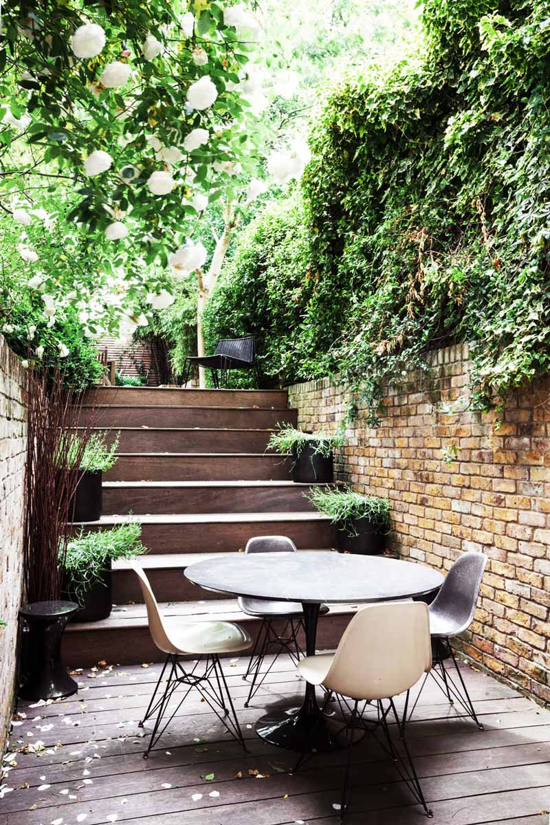London home with a lush terrace thou swell for Garden design ideas for different levels