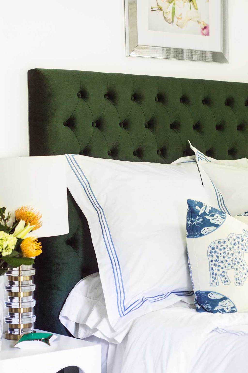 Blue and green bedroom makeover with blue embroidered Trio bedding from Pine Cone Hill by Annie Selke on Thou Swell @thouswellblog