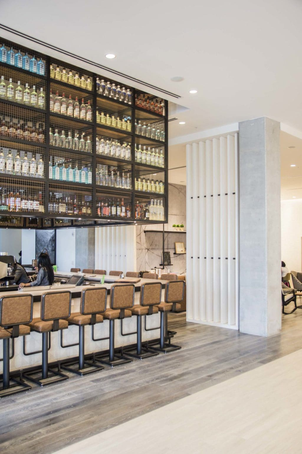 Modern bar design at the Renaissance airport Atlanta hotel on Thou Swell @thouswellblog