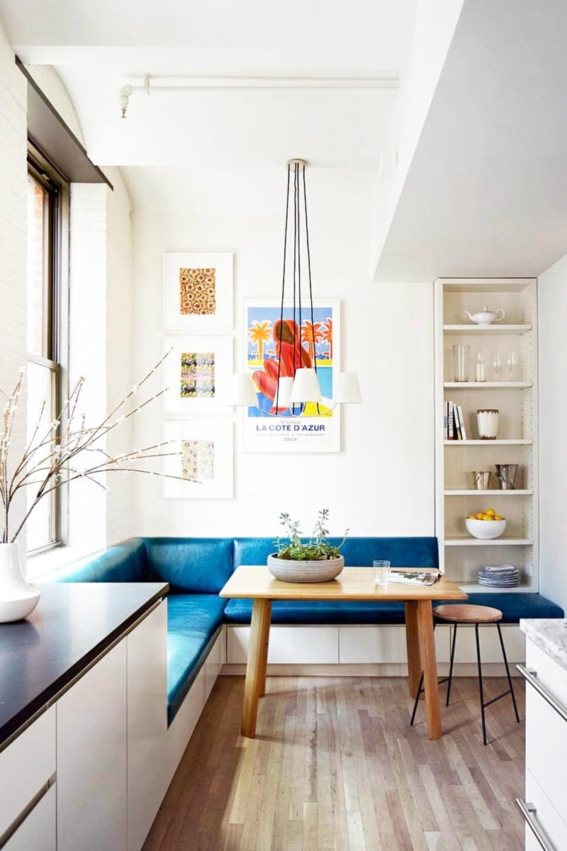 Blue dining banquette in modern kitchen design on Thou Swell @thouswellblog