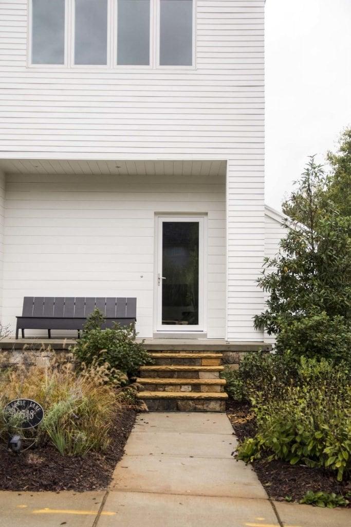 Modern white house in Serenbe, Georgia on Thou Swell @thouswellblog