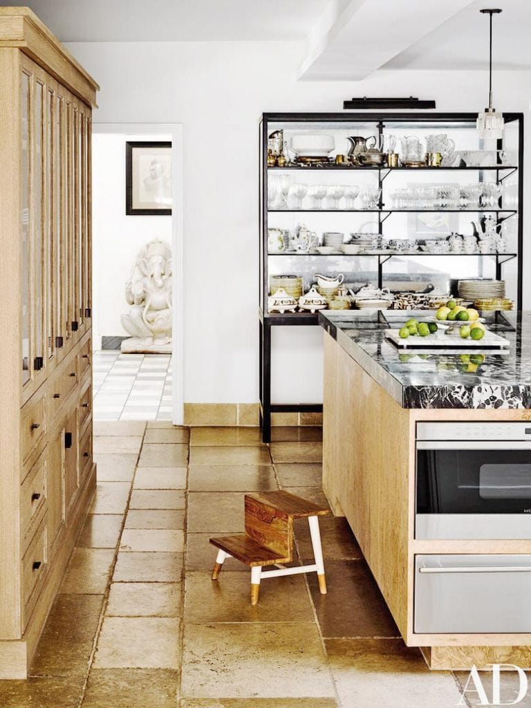 Warm modern kitchen design in Los Angeles on Thou Swell @thouswellblog