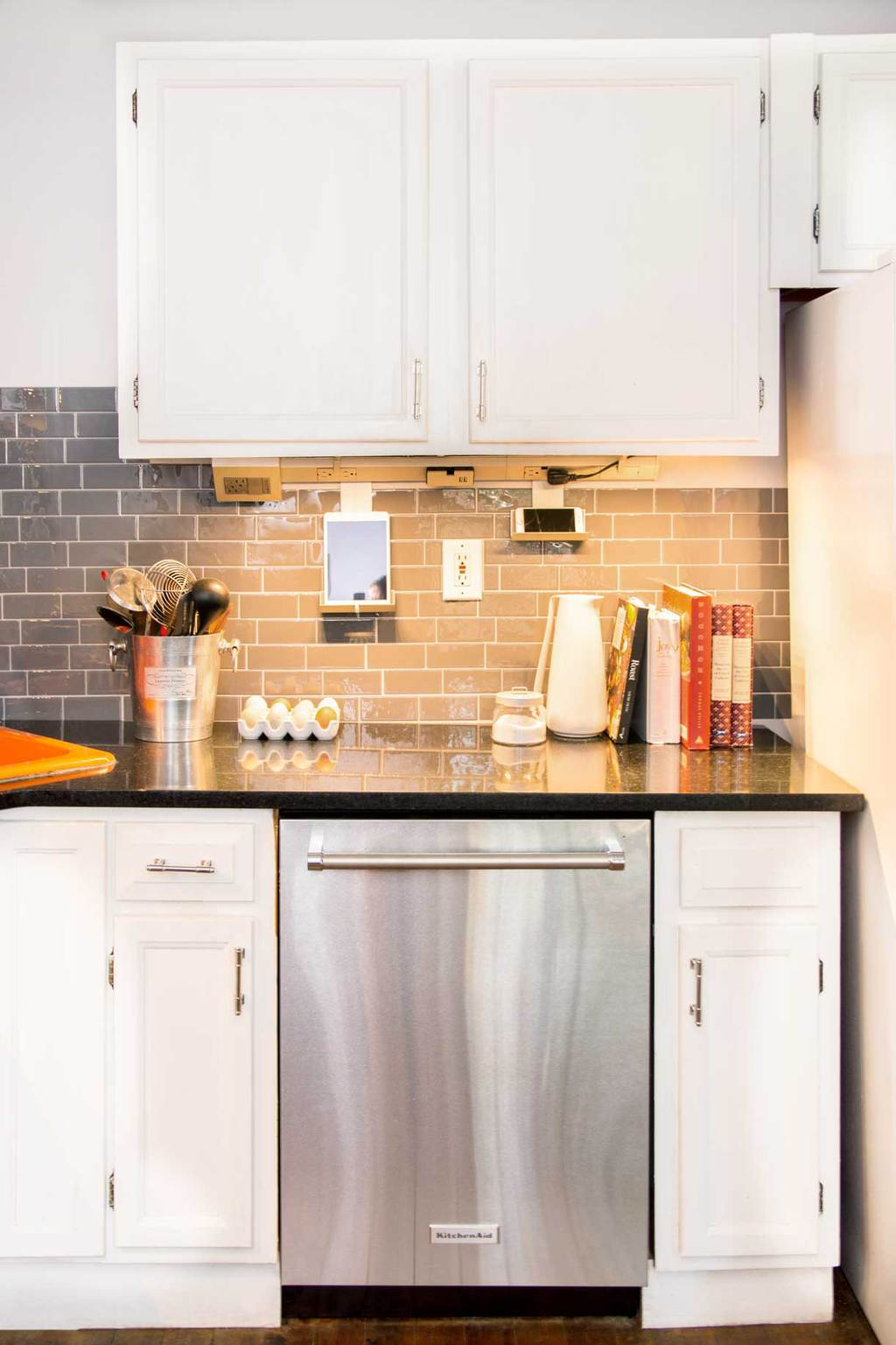 lights light lighting wire ikea cabinet in under the bathroom mirror legrand dimmable system direct led counter form night kitchen