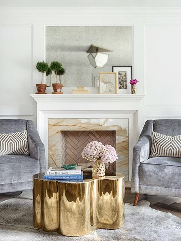Classic Southern living room with a fresh twist in Houston by Paloma Contreras on Thou Swell #houston #southern #southerndesign #southernstyle #southernhome #hometour #housetour #interiordesign #interior #homedesign #decoratingideas