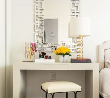 Console table makeover painted furniture DIY project for bedroom vanity desk home decor ideas on Thou Swell #bedroom #bedroomdesign #bedroomdecor #diy #diyproject #paintedfurniture #paintedtable #paintmakeover #paintingtips