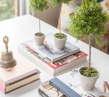 How to style faux plants and flowers, styling greenery at home, home decor tips with Sullivan's Home Decor brand on Thou Swell #homedecor #fauxplant #fauxflowers #styling #stylingtips #homedecortips #homedecorideas #decor #decorating #indoorplants