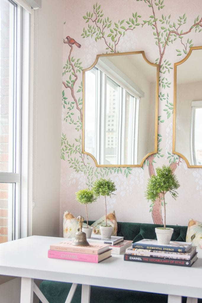 How to style faux plants and flowers, styling fake plants and greenery at home, home decor tips with Sullivan's Home Decor brand on Thou Swell #homedecor #fauxplant #fauxflowers #styling #stylingtips #homedecortips #homedecorideas #decor #decorating #indoorplants