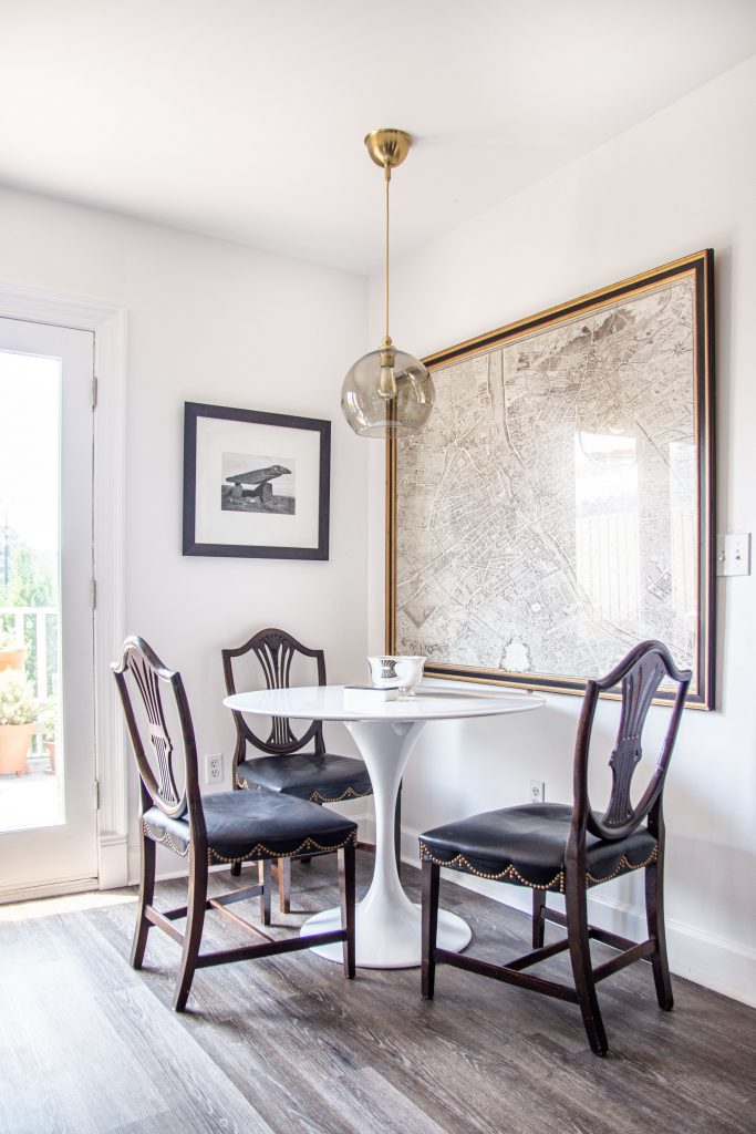 Behr Bit of Sugar bright warm white paint color for walls with high-gloss finish on Thou Swell #whitepaint #whitepaintcolors #paintcolors #warmwhite #brightwhite #behrpaint #bitofsugar #homedesign